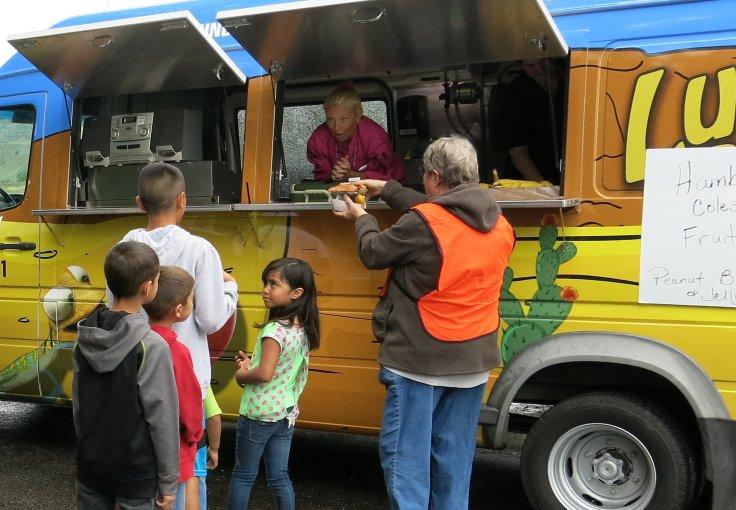 food truck helps feed kids