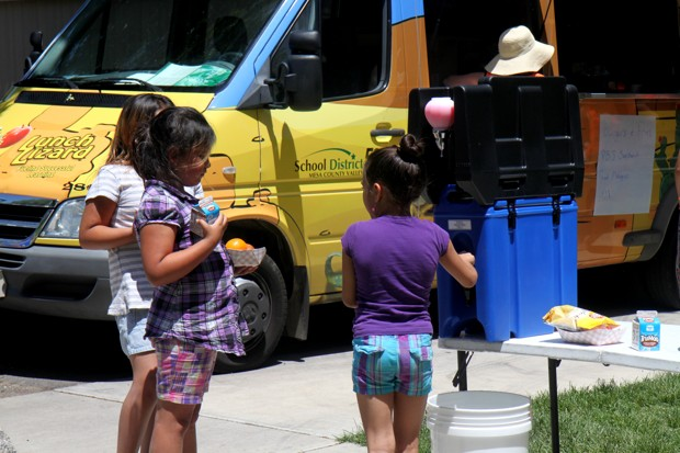 Where Travel Is a Barrier, Food Trucks Roll in To Feed Kids